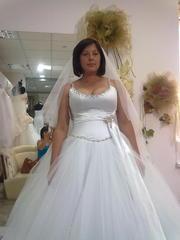 свадебное платье белое со стразами пышное
