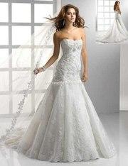 Продам свадебное платье с шикарным шлейфом!