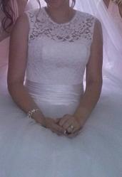 Красивое свадебное платье 15000