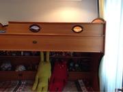 Продам двухъярусную детскую кровать